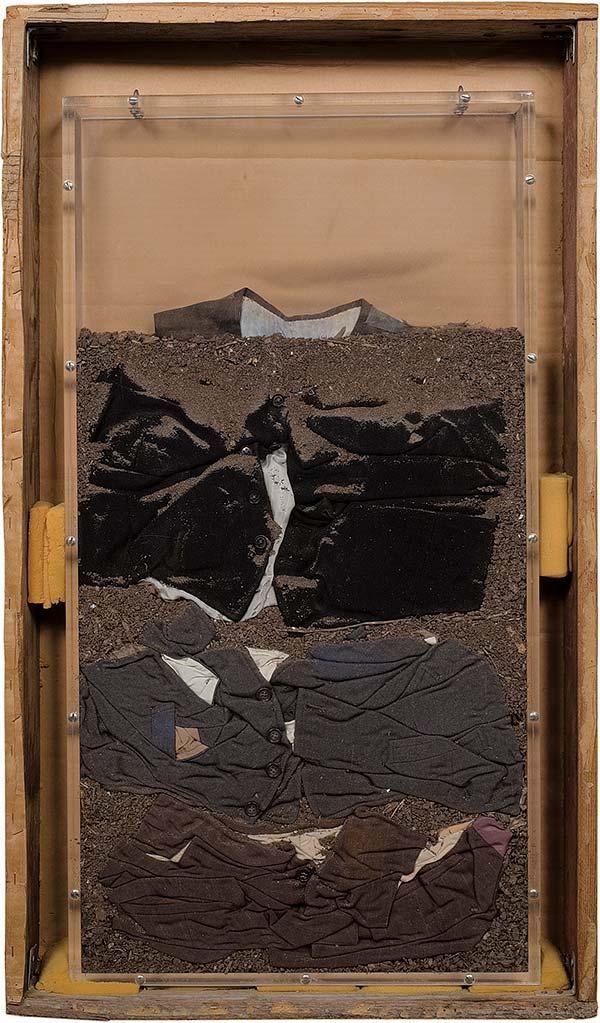 Buried Vest (Vest-Earth), 1974